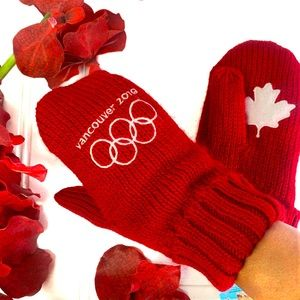 Official HudsonBay Vancouver 2010 Olympic mittens